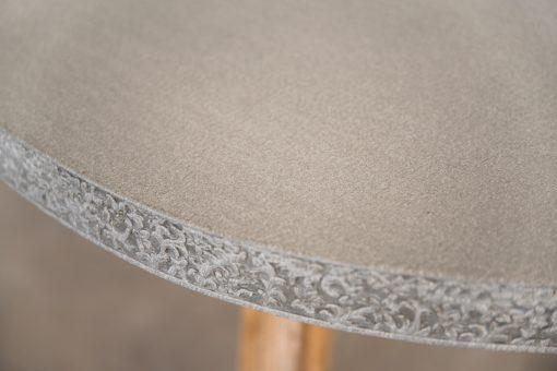Svelte Concrete Side Table